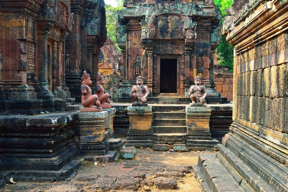 banteay-srei-and-ta-prohm-temples